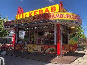 Atrelado para venda de comida rápida